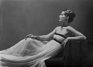 Fashion by Vionnet, Lisa Fonssagrives-Penn, Paris, 1938.
