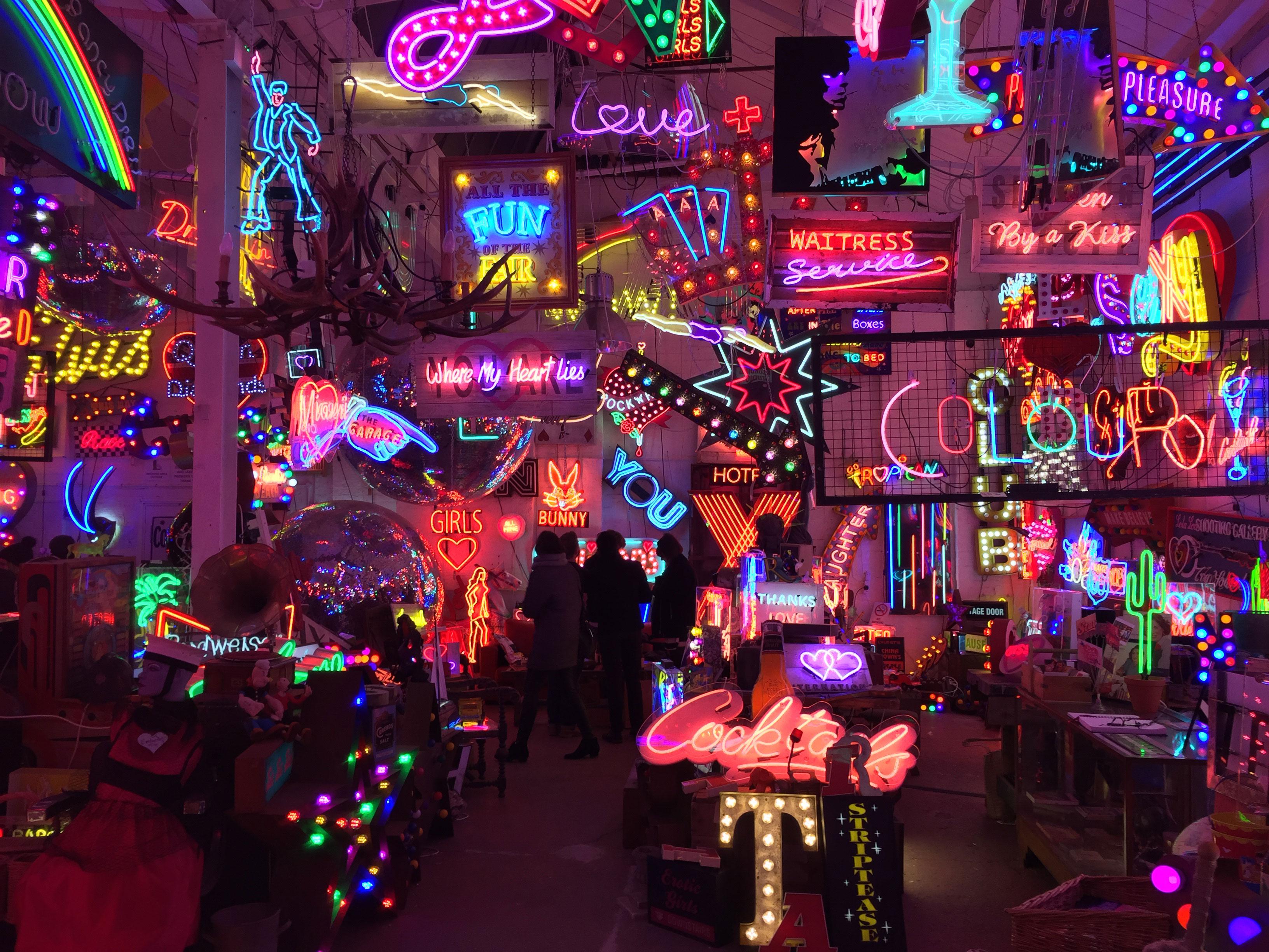 Image result for La galleria d'arte di neon – God's own Junkyard