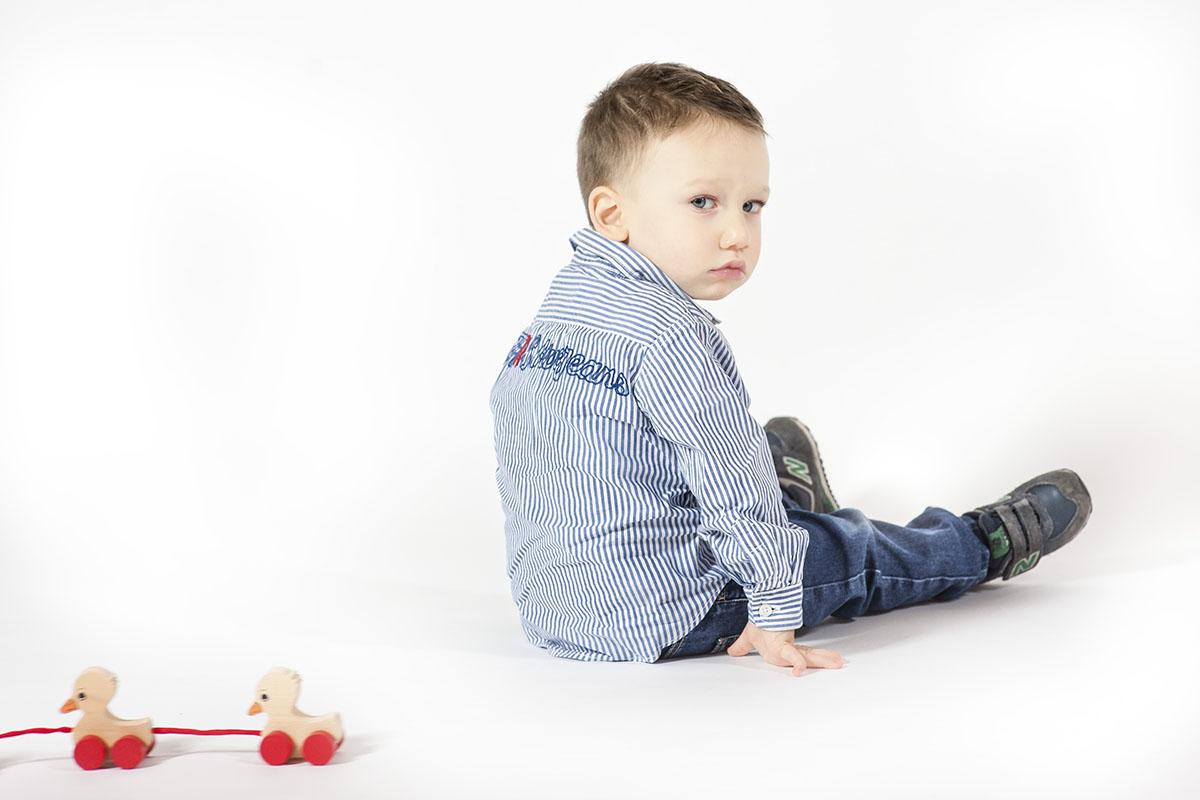 Capricorno-bambino-imbronciato-Neomag.