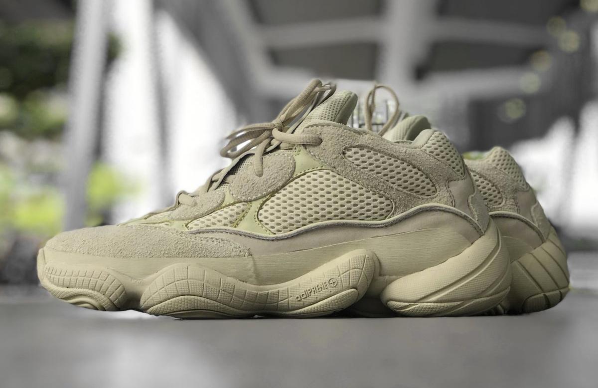 Acquista scarpe adidas yeezy 500 con glitter argento | fino