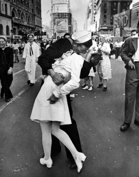 Il bacio in Time Square - Neomag.