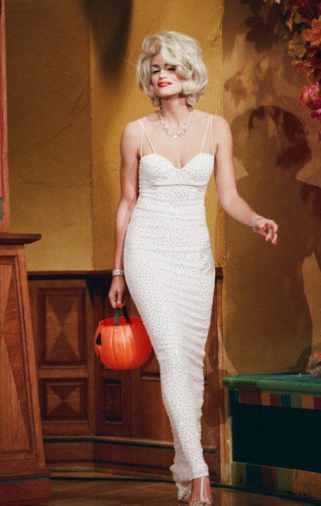 Cindy Crawford travestita da Marilyn Monroe per Halloween - Neomag.