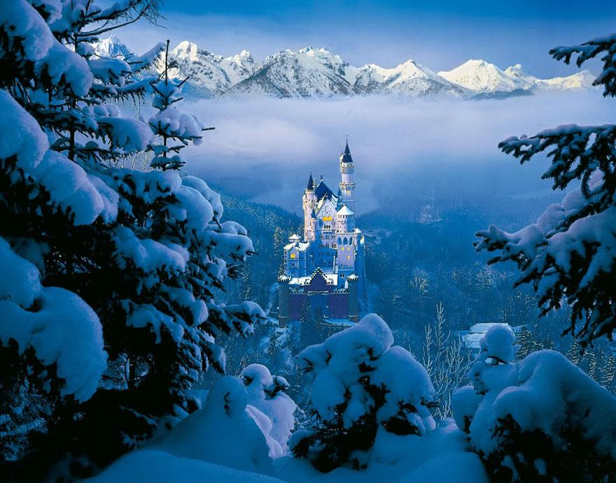 Luoghi dei cartoni Disney - Castello della Bella Addormentata nel Bosco - Neomag.