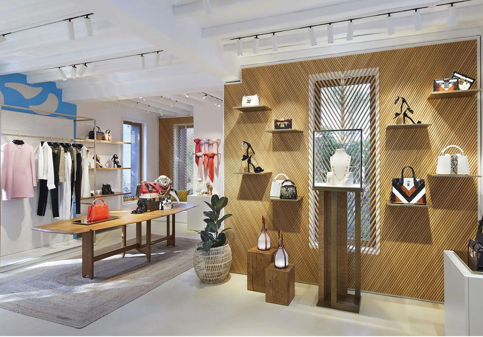 Mykonos Louis Vuitton - Neomag.