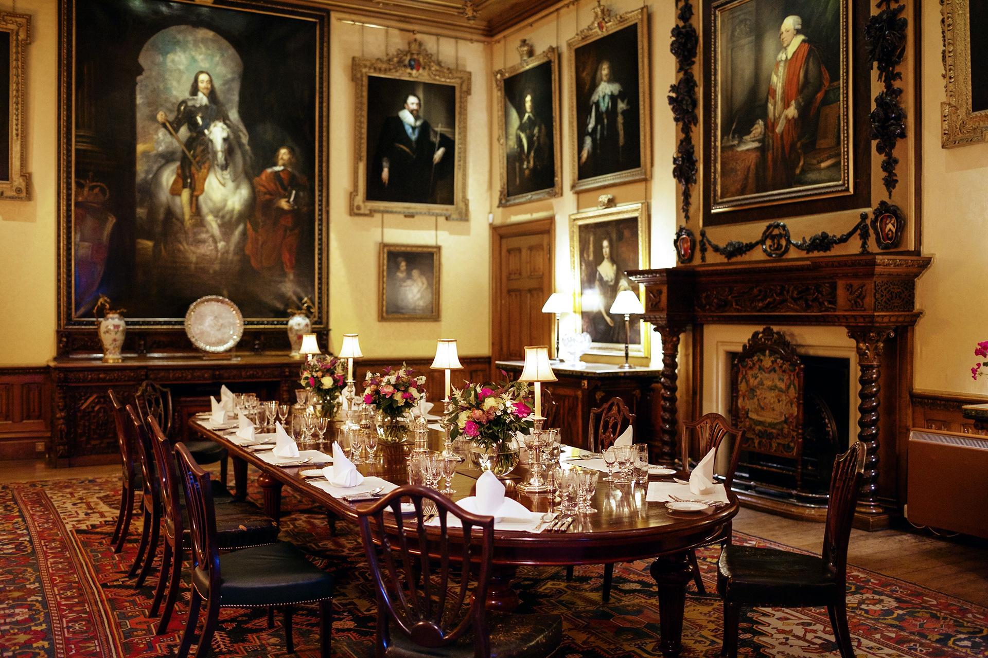 Sala di Pranzo di Highclere Castle - Neomag.