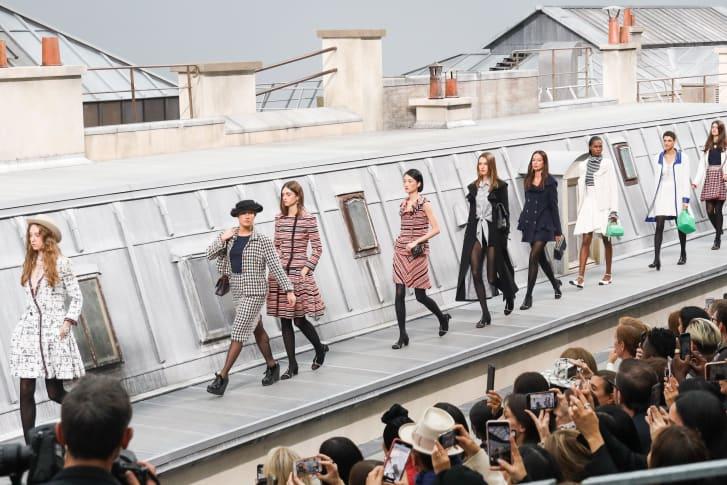 Gigi Hadid salva Chanel - Neomag.