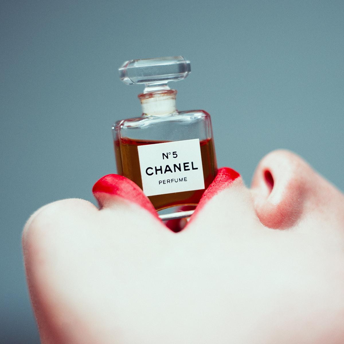 Chanel n°5 per Tyler Shields - Neomag.
