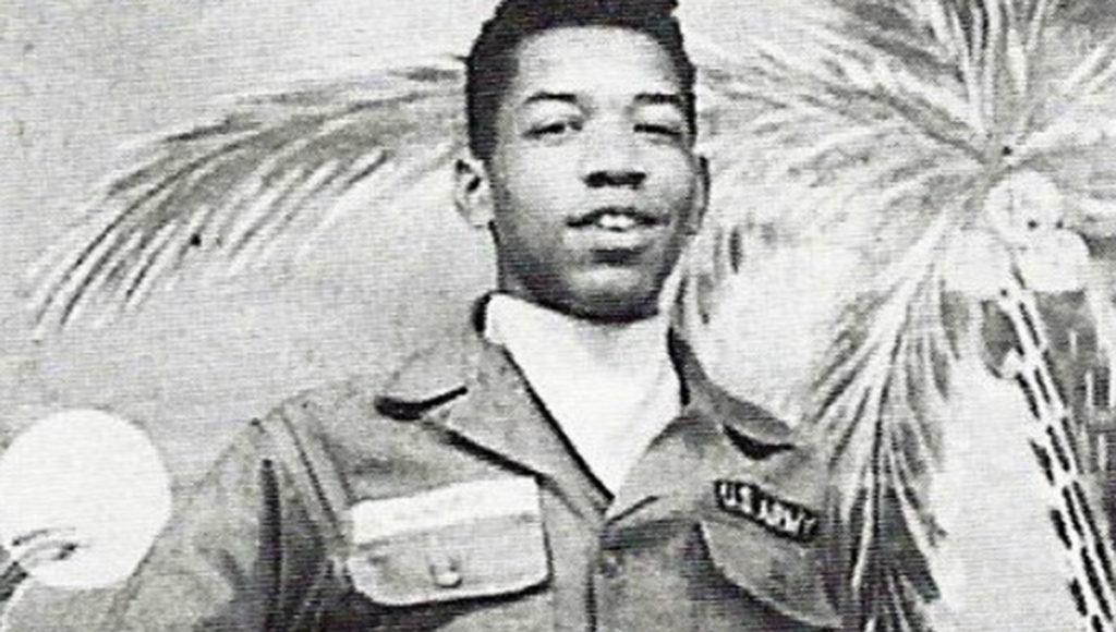 Jimi Hendrix paracadutista - Neomag.