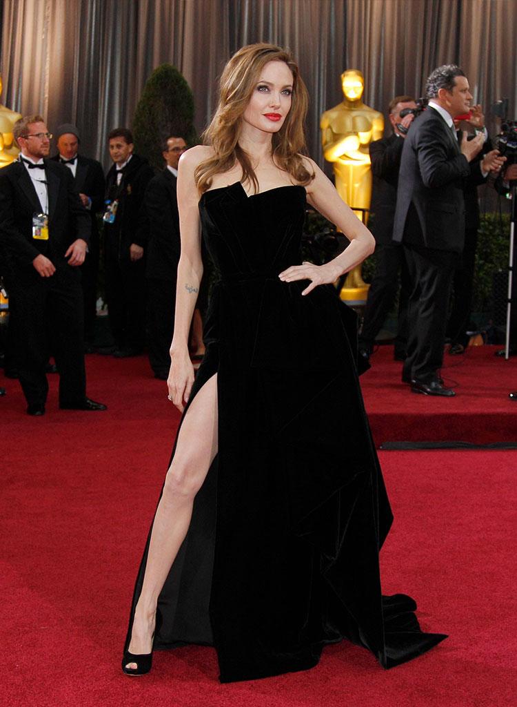 La Gamba di Angelina Jolie nel 2012 - Neomag.