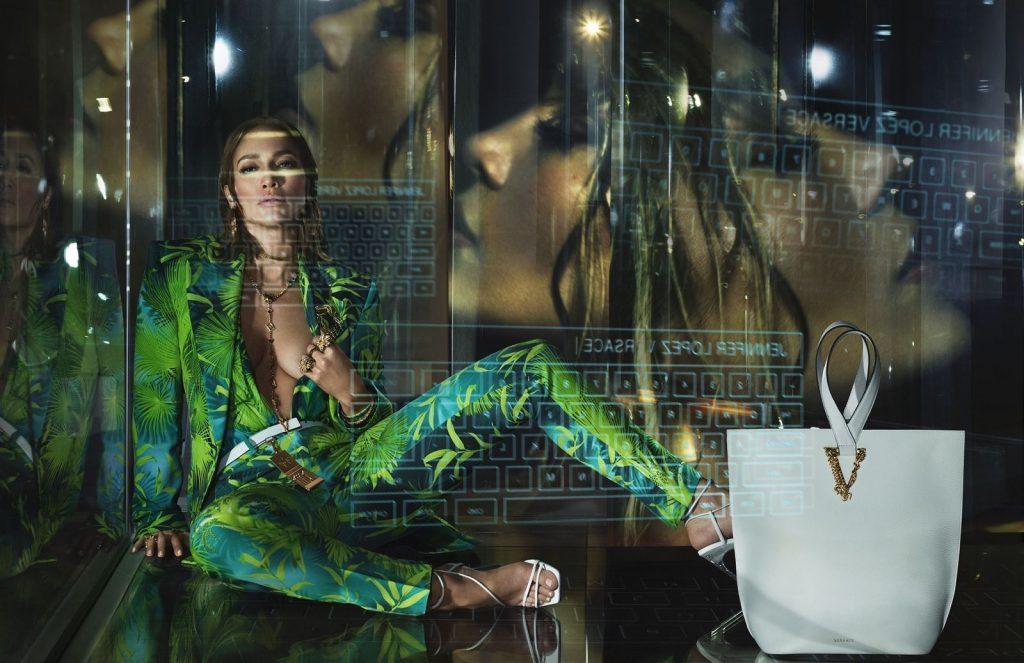 Campagna di Versace - Neomag.