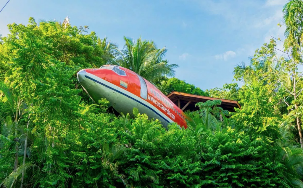 Dormire in unBoeing 727 - Neomag.