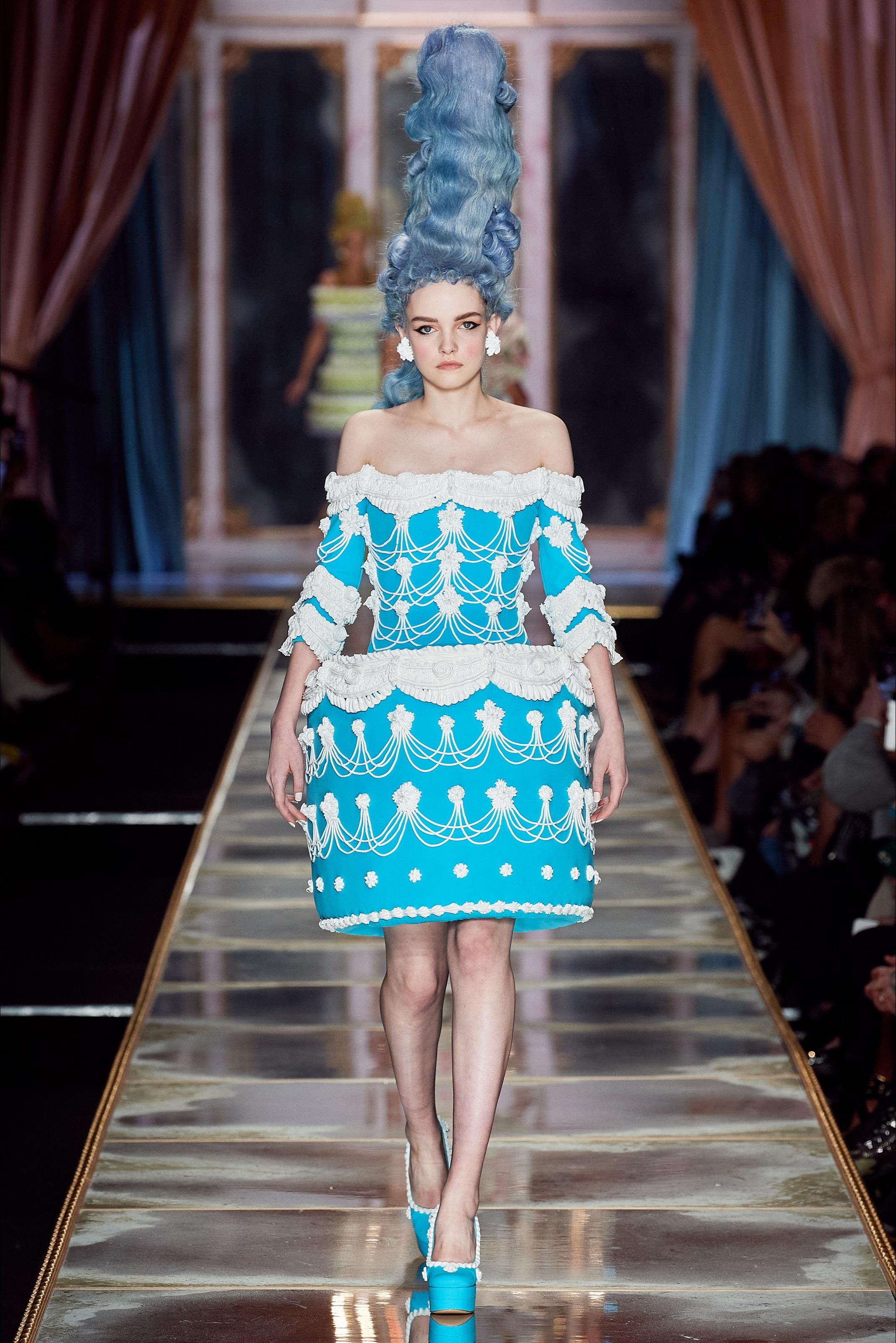 Vestiti a forma di torta Moschino - neomag.