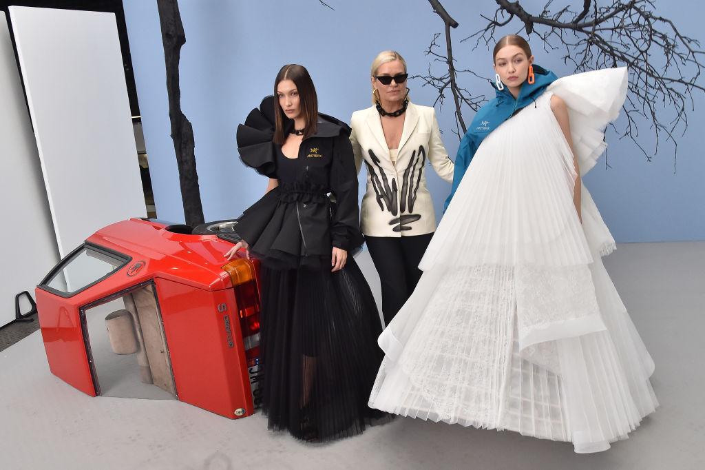 Donne Hadid alla sfilata Off-White - Neomag.