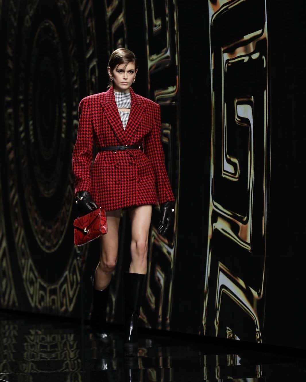 Kaia Gerber Versace - Neomag.