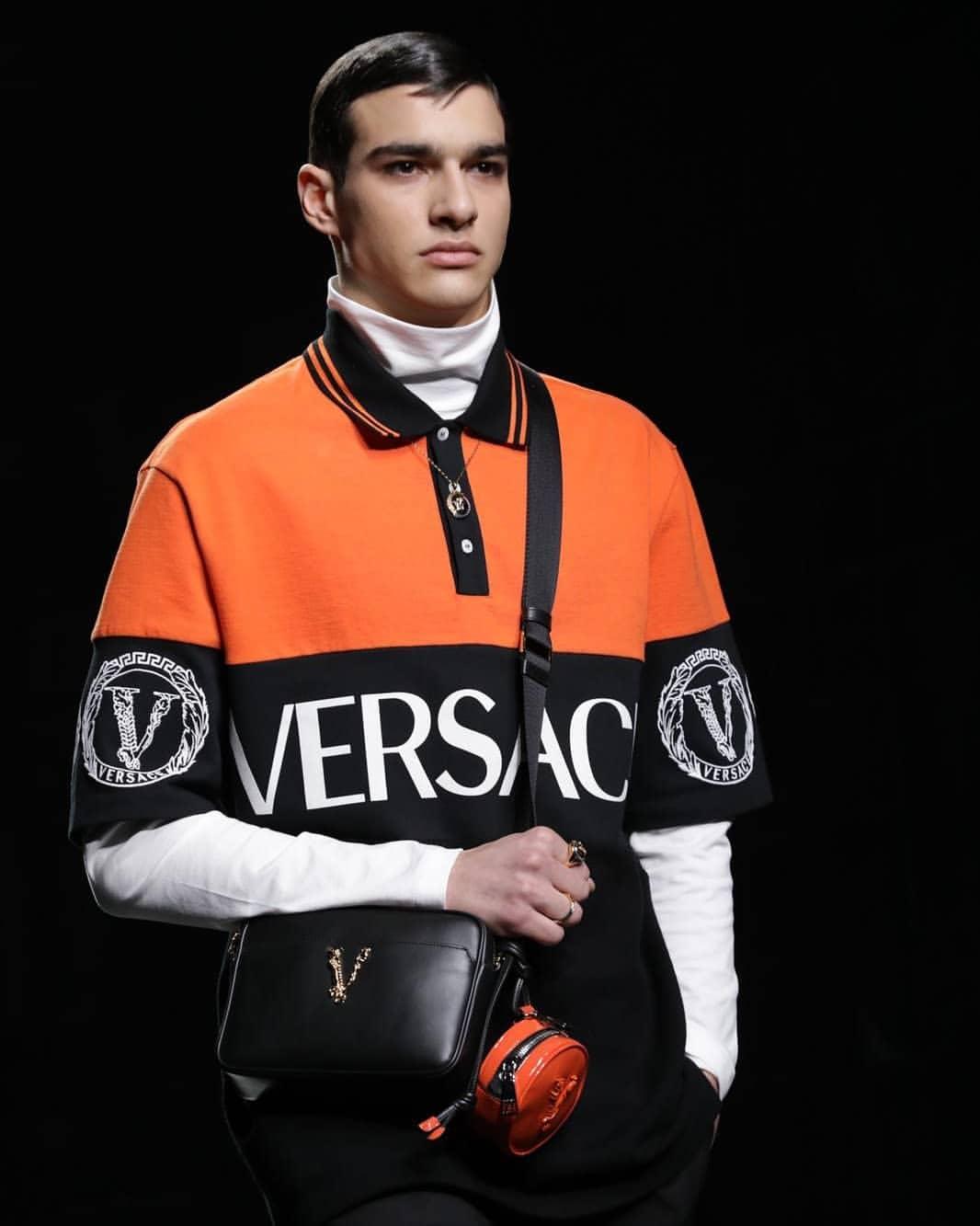 Sfilata Versace - Neomag.