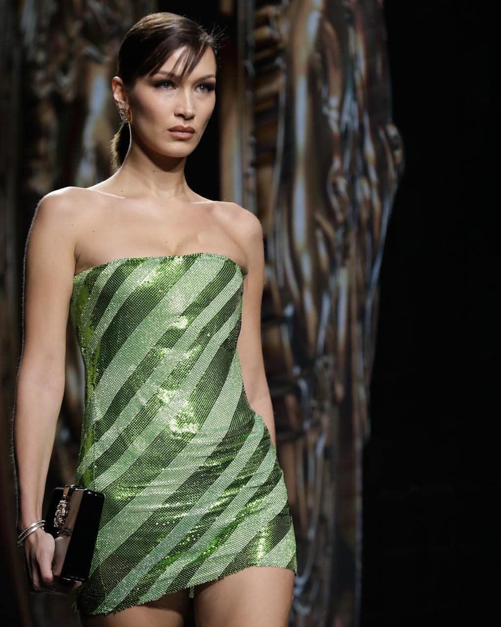 bella Hadid x Versace - Neomag.