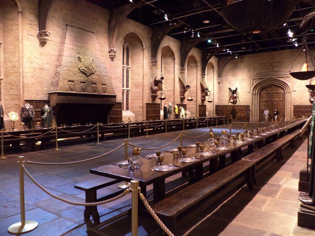 Sala Grande Harry Potter - neomag.