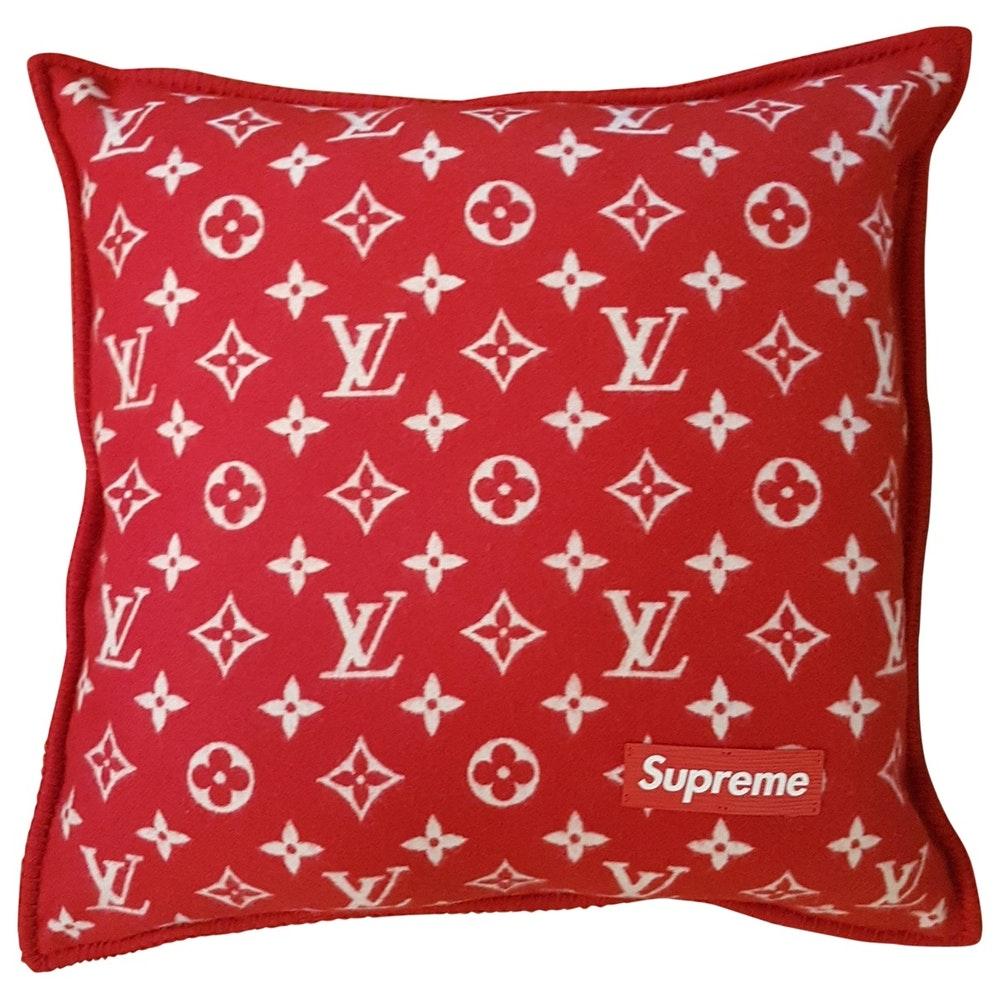 Cuscino Louis Vuitton x Suoreme - neomag.