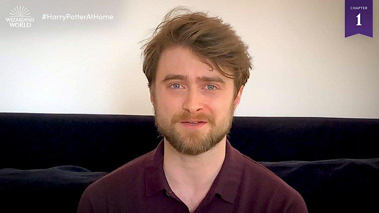 Daniel Radcliffe legge per i fan - neomag.