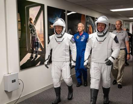 astronauti Doug Hurley e Bob Behnken - neomag.