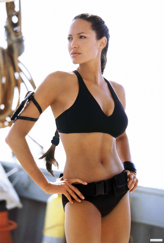 Bikini di Angelina Jolie - neomag.