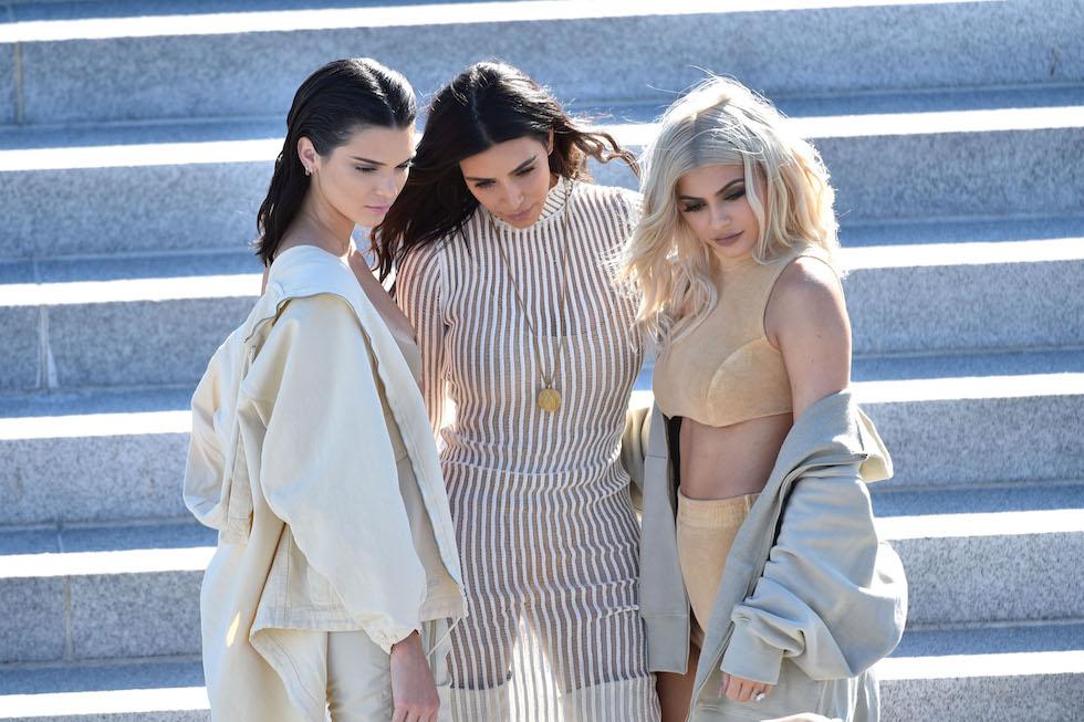 Kendall Jenner, Kim Kardashian e Kylie Jenner - neomag.