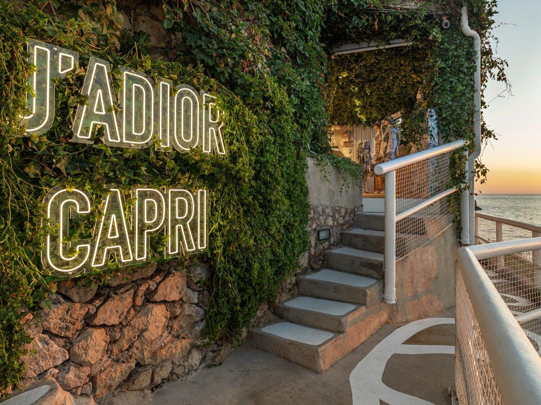J Adior Capri - neomag.