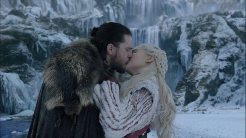 Bacio tra daenerys e Jon - neomag.