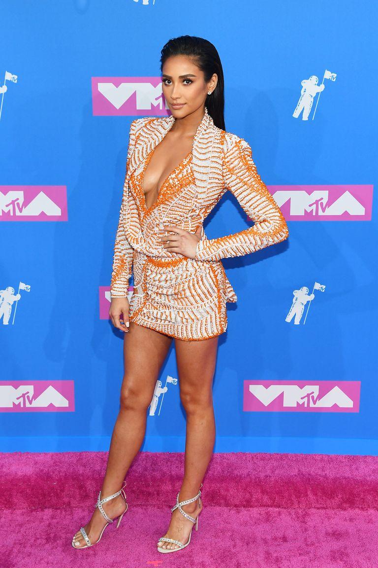 Shay Mitchell VMA - neomag.