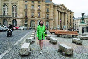 outfit di Emily in Paris - Neomag.