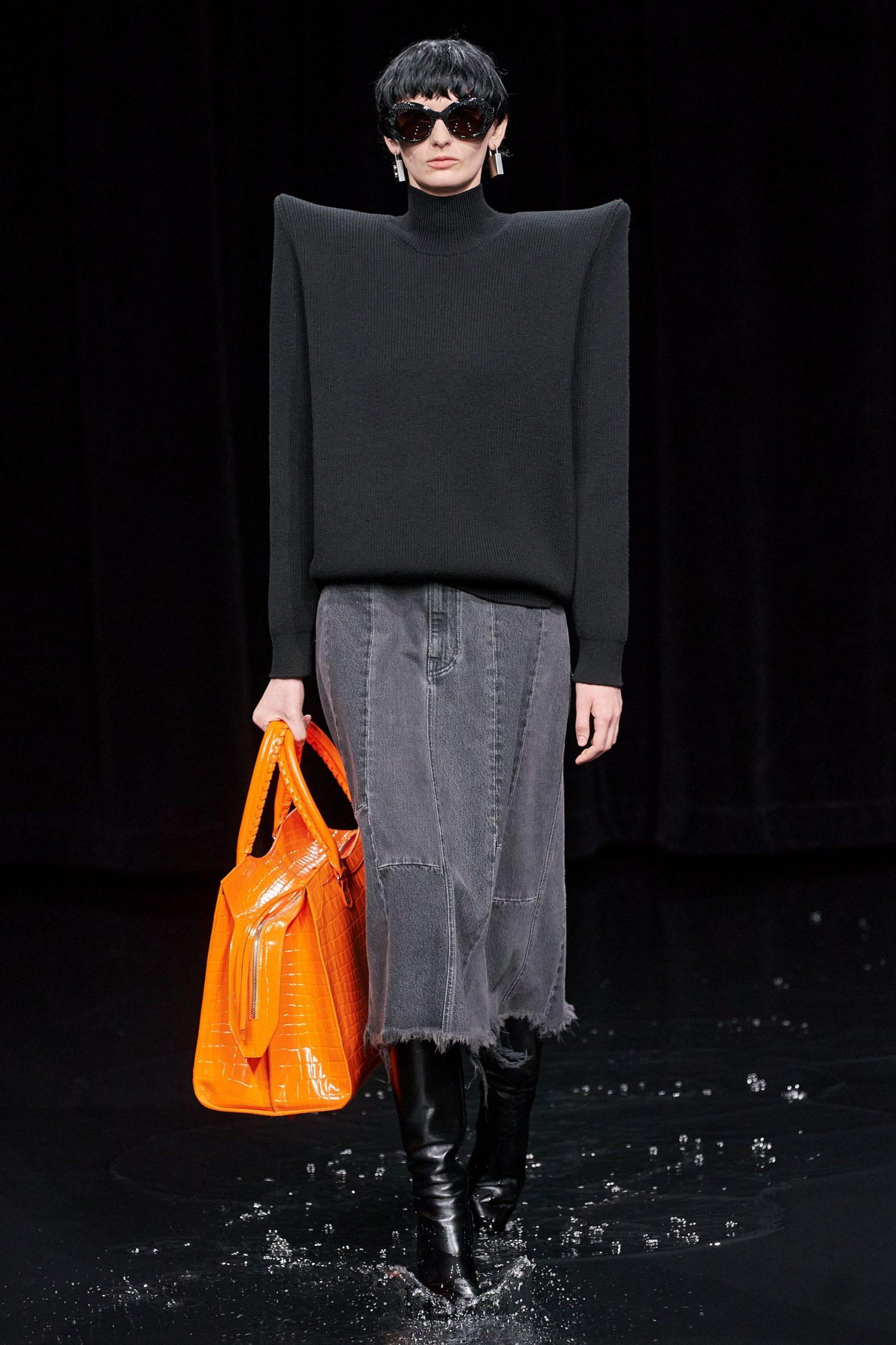 Maniche e spalle extra Balenciaga - Neomag