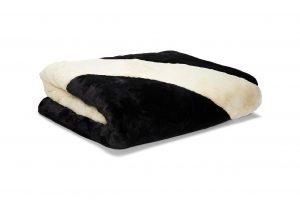 swoosh blanket - Neomag.