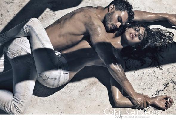 Calvin Klein Eva Mendes e Jamie Dornan - Neomag.