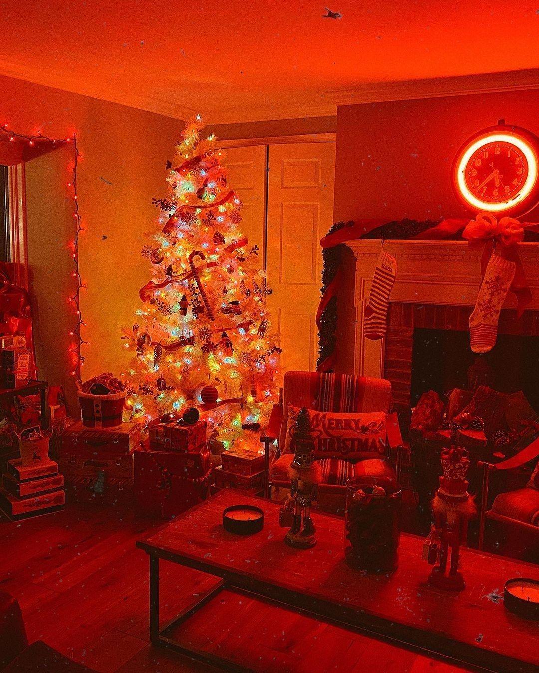 Le decorazioni per Natale di Gigi Hadid - Neomag.