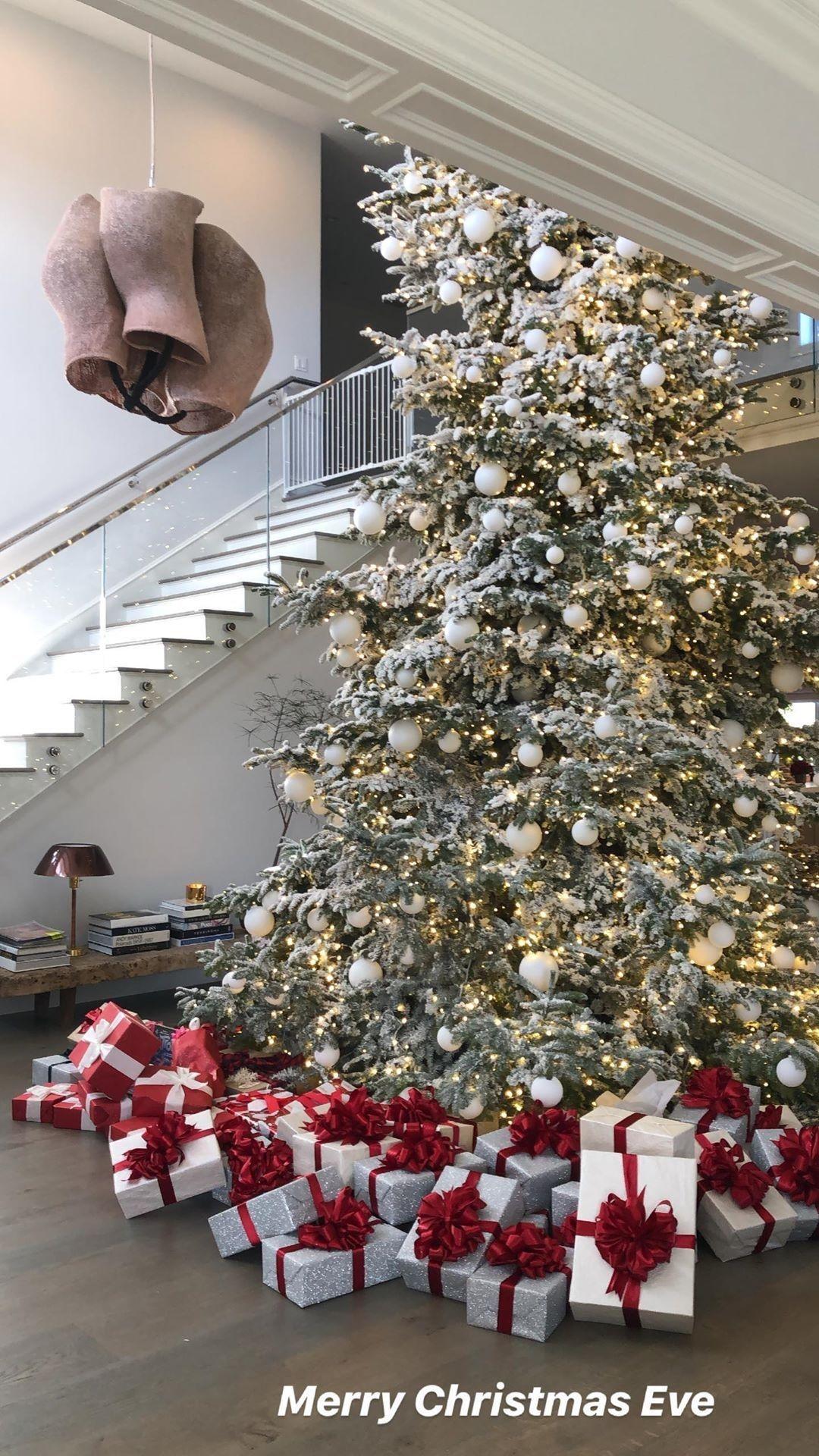 La casa di Kylie Jenner per Natale - Neomag.