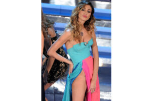 Belen Rodriguez a Sanremo - neomag.