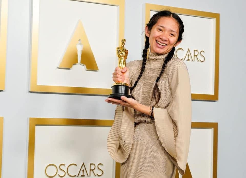Chloé Zhao oscar 2021 - neomag.