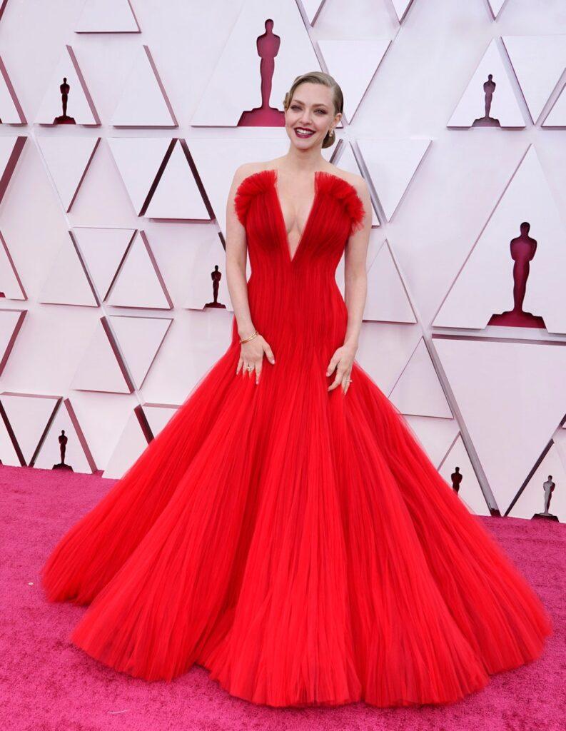 Amanda Seyfried Oscar 2021 - neomag.