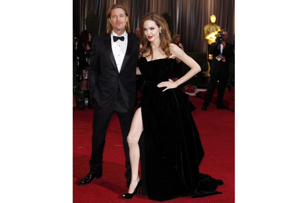 Angelina Jolie Oscar - neomag.