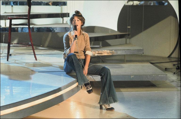 Jane Birkin in jeans - neomag.