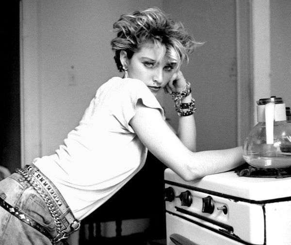 Madonna in jeans - neomag.
