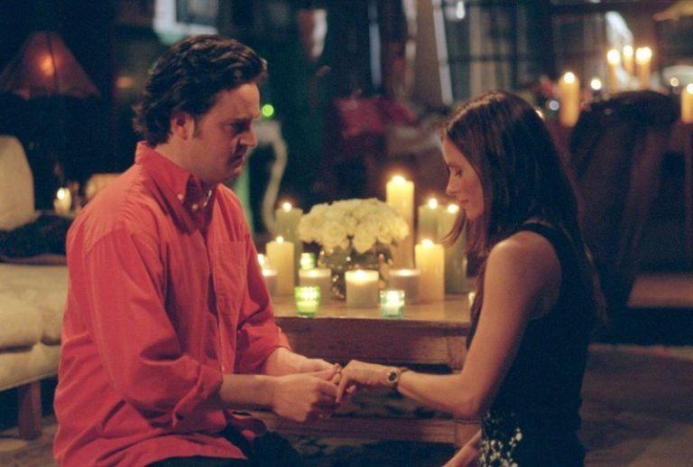 Proposta matrimonio Monica e Chandler - Neomag.
