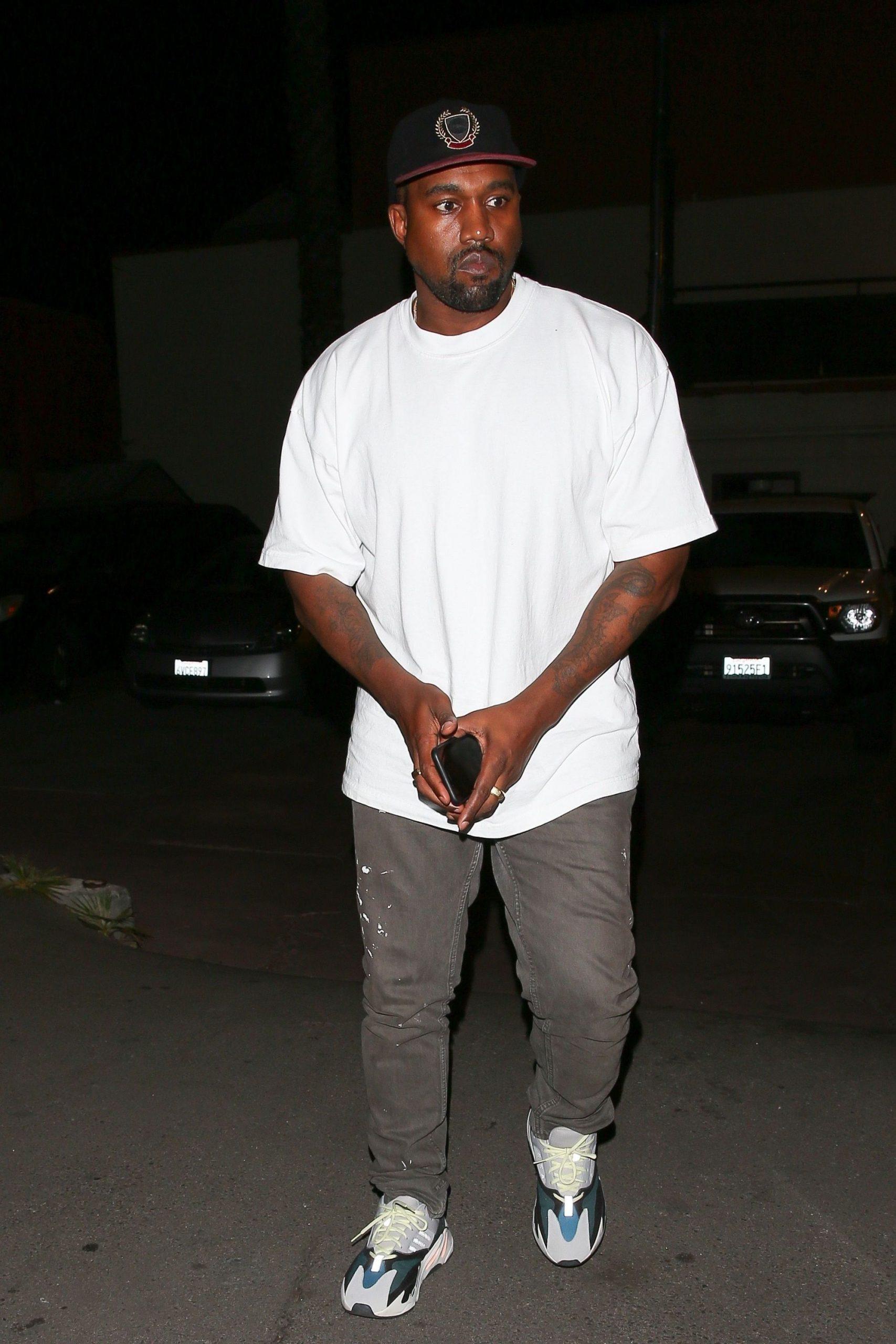 Kanye west t-shirt - neomag.