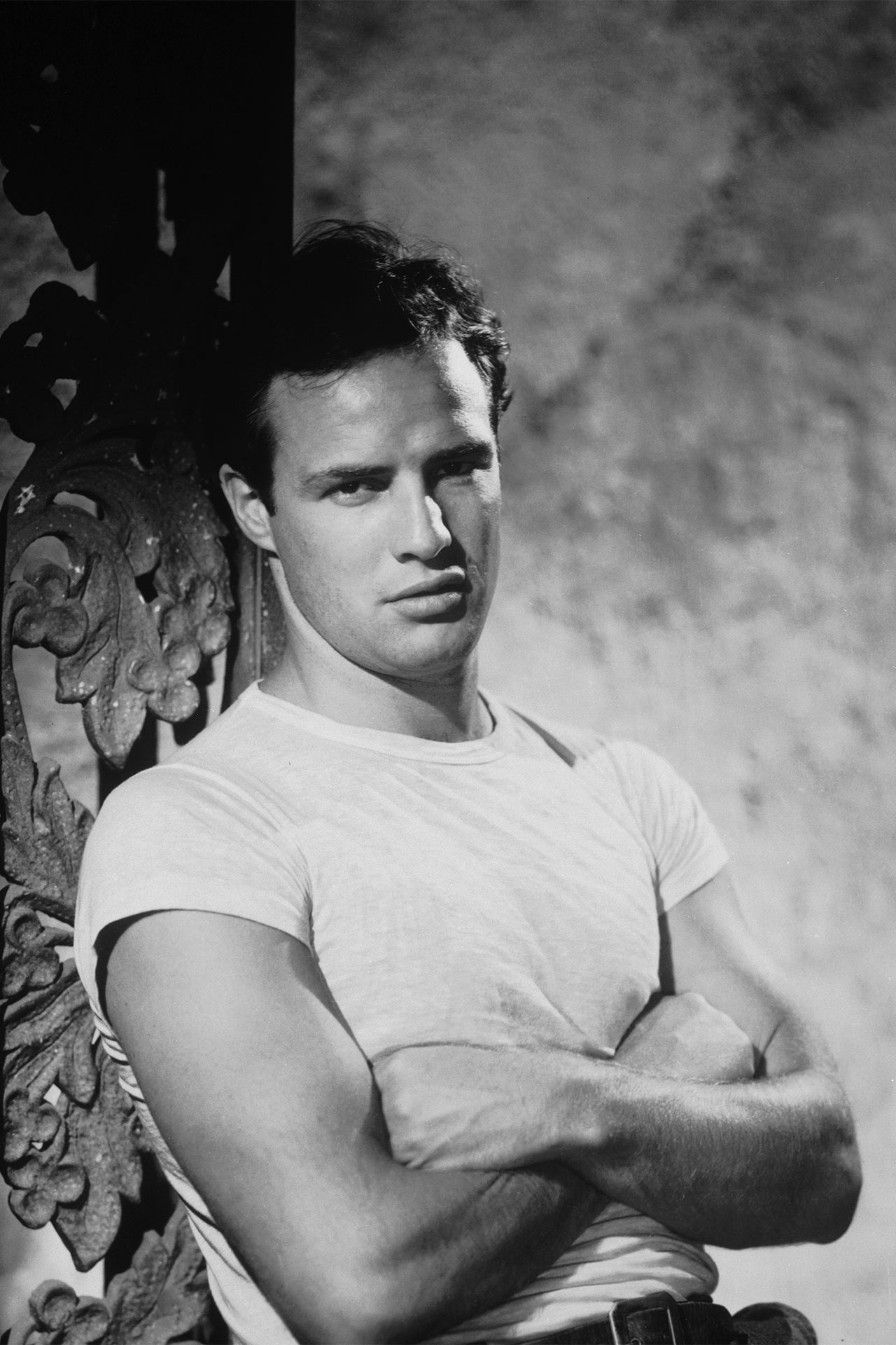 Marlon-Brando-White-T-Shirt -neomag.