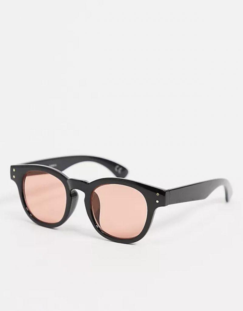 Occhiali da sole alla moda