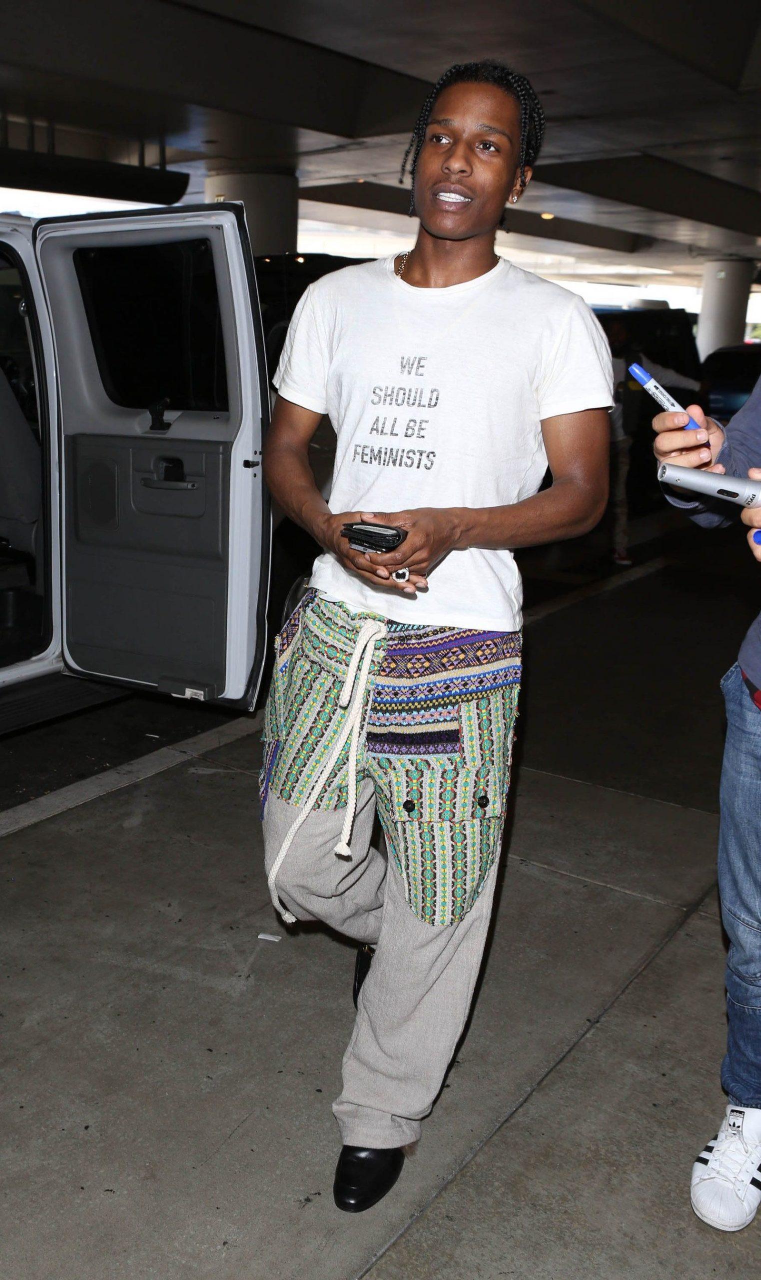 Travis scott in t shirt bianca - neomag.
