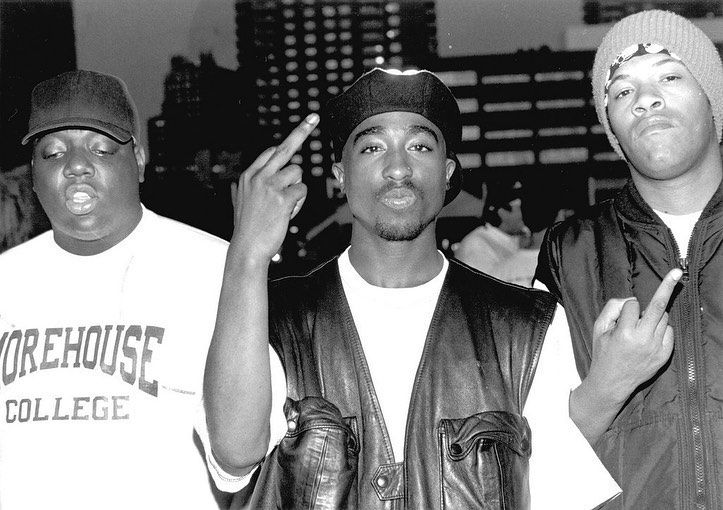 Tupac - neomag.