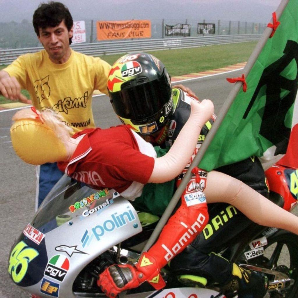 La bambola gonfiabile di Valentino Rossi - neomag.
