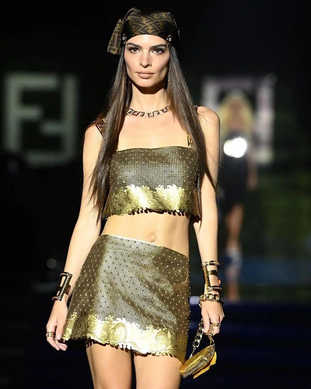 Versace by fendi - Neomag.