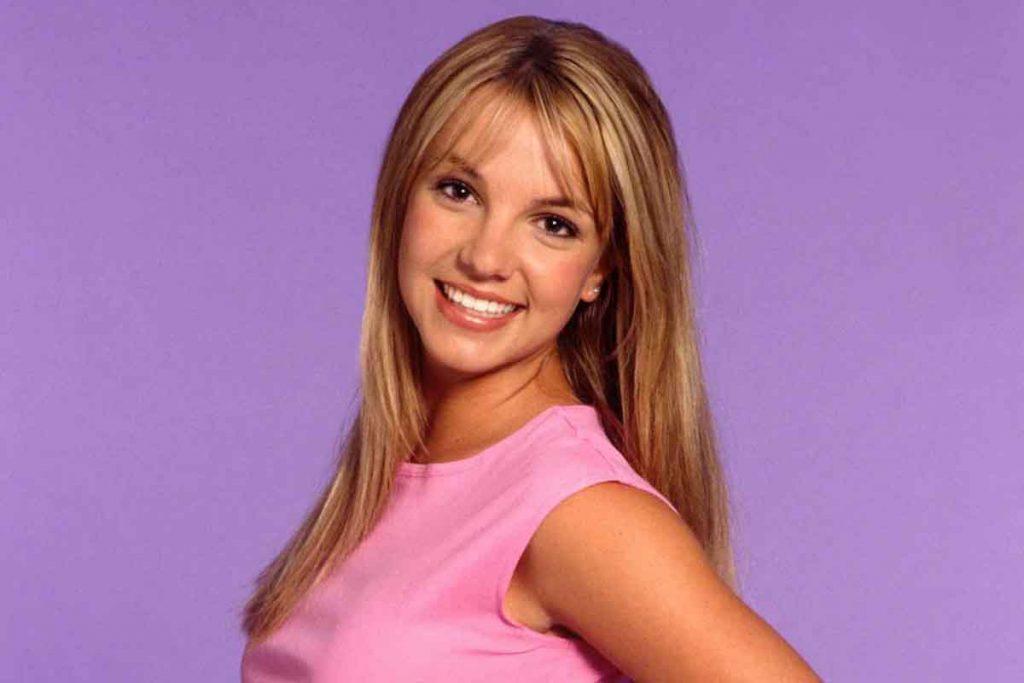 Britney vs Spears - Neomag.